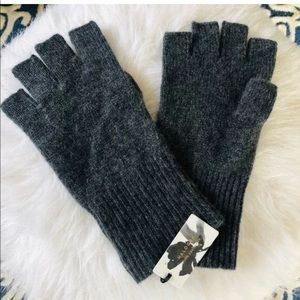 100% Cashmere Women's Fingerless Gloves, NWOT